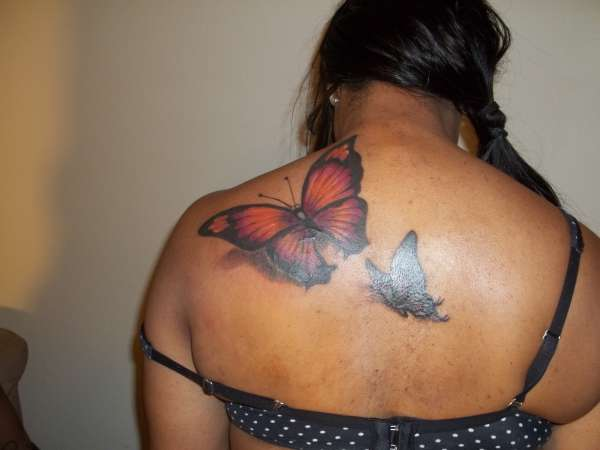 Elegant 3D Butterflies Tattoos On Upperback