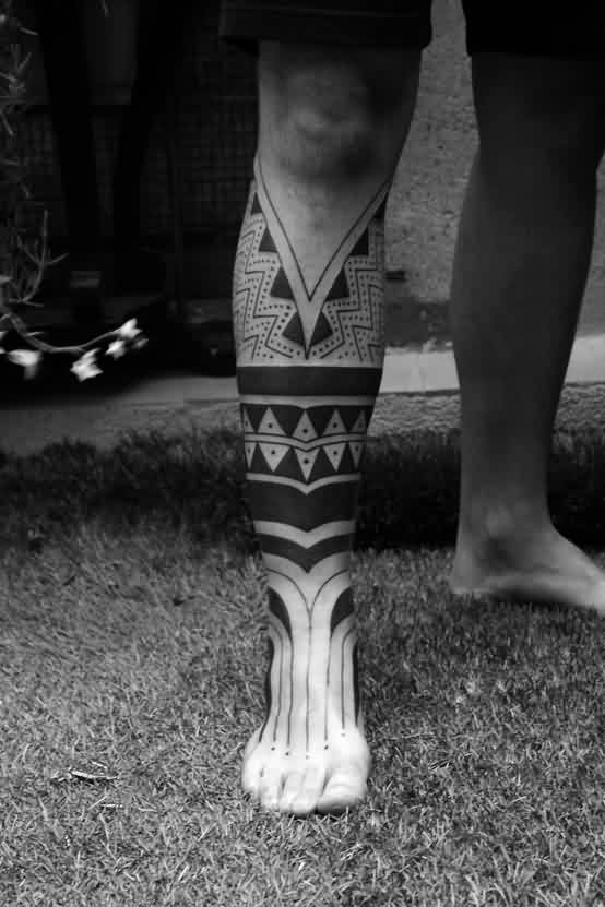 Fantastic Polynesian Tattoos On Right Leg