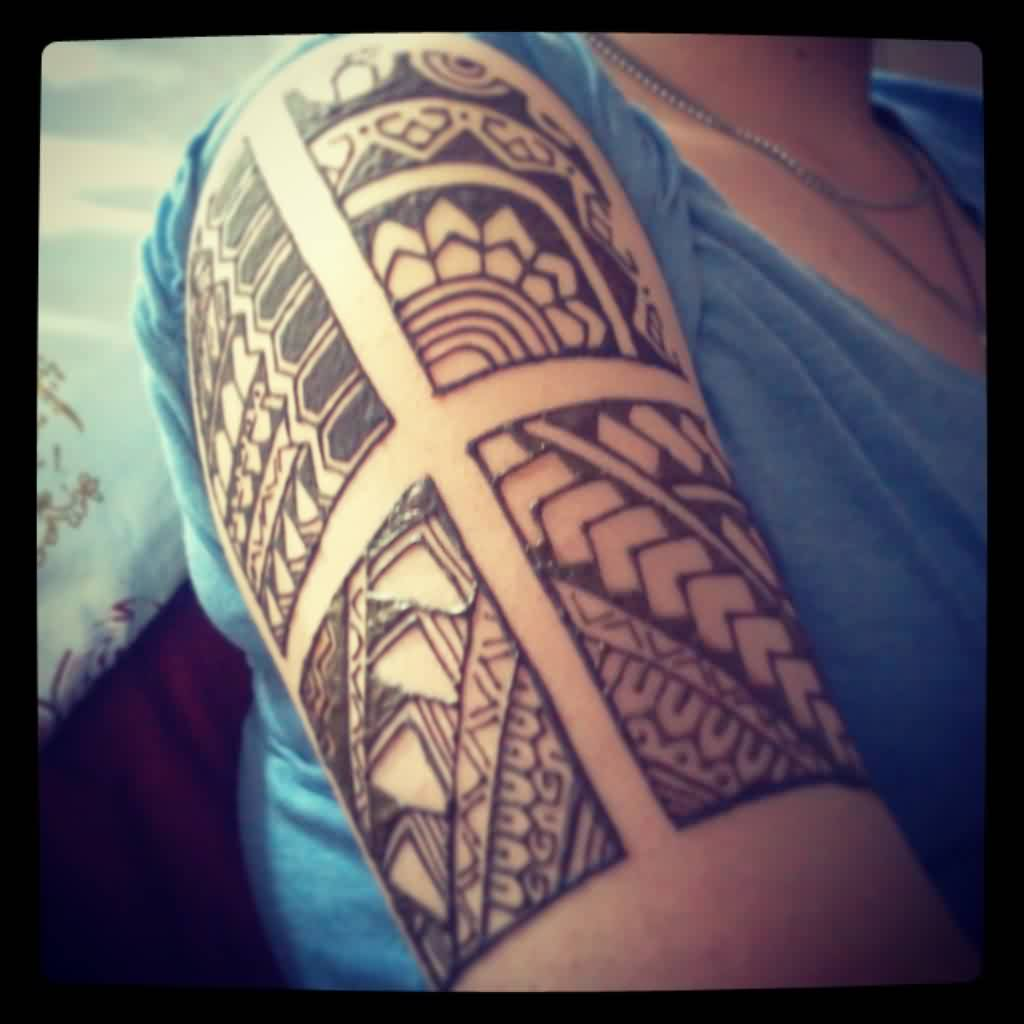 Fresh Henna Polynesian Tattoo On Half Sleeve