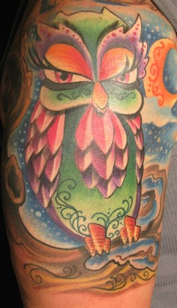 Gorgeous Color Owl Tattoo On Shoulder