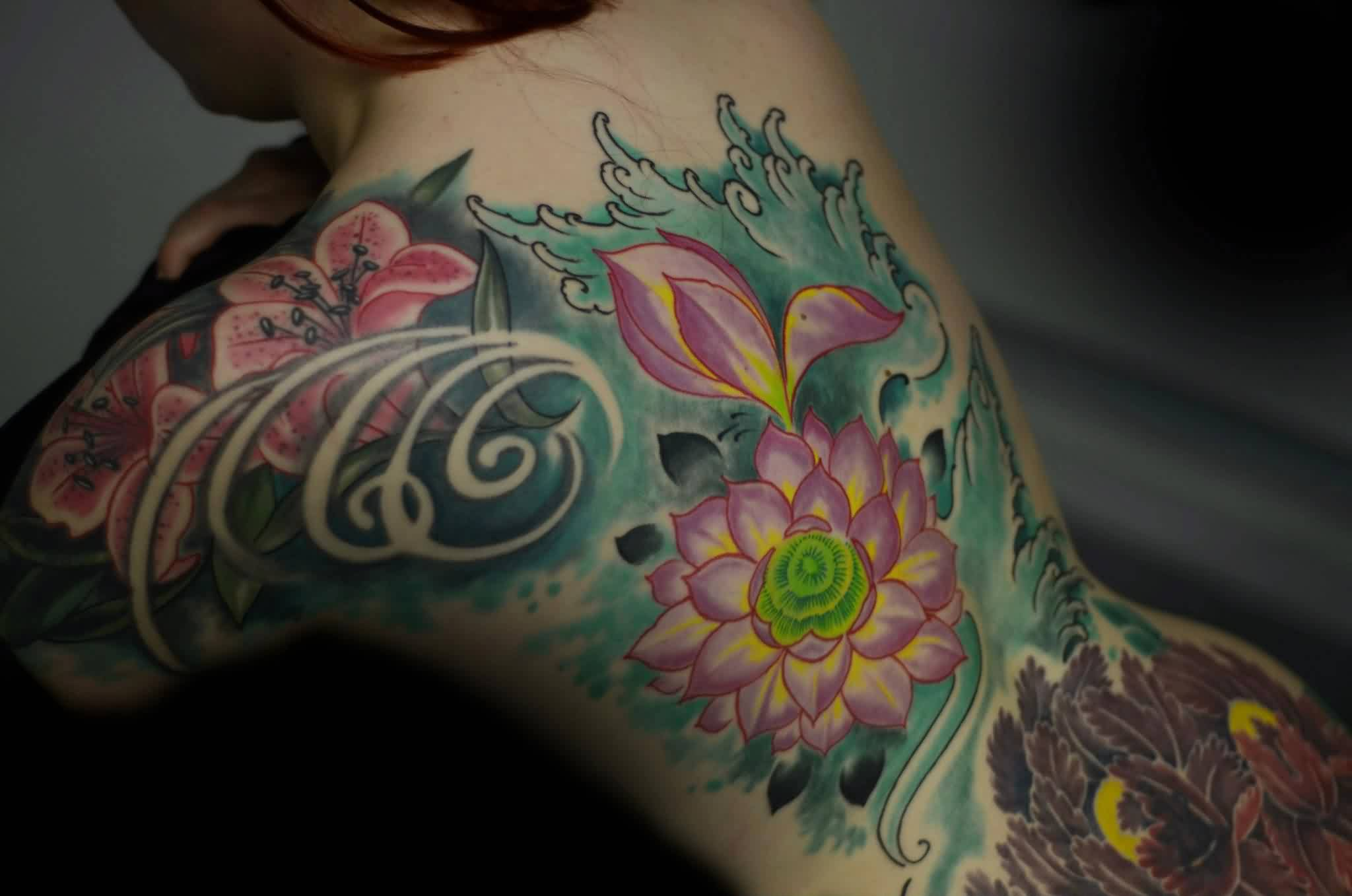 Gorgeous Flowers And Wave Tattoos On Entire Back