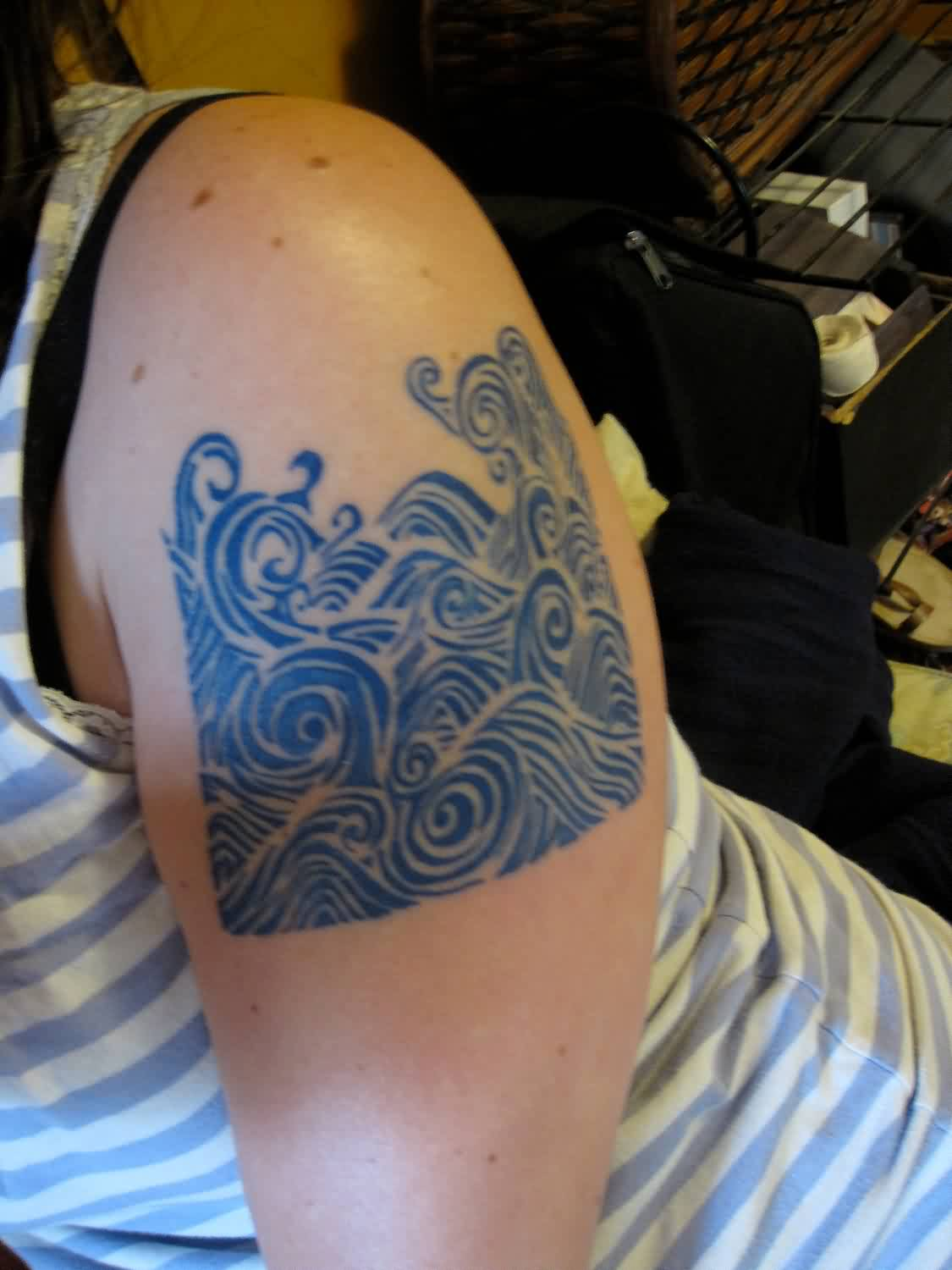 Gorgeous Wave Tattoo On Shoulder For Girls And Women