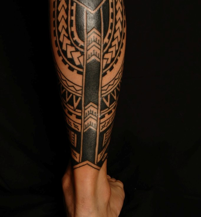 Great Black Polynesian Tattoos On Leg
