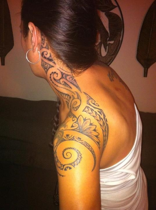 Grey Maori Polynesian With Flower Tattoos For Girls