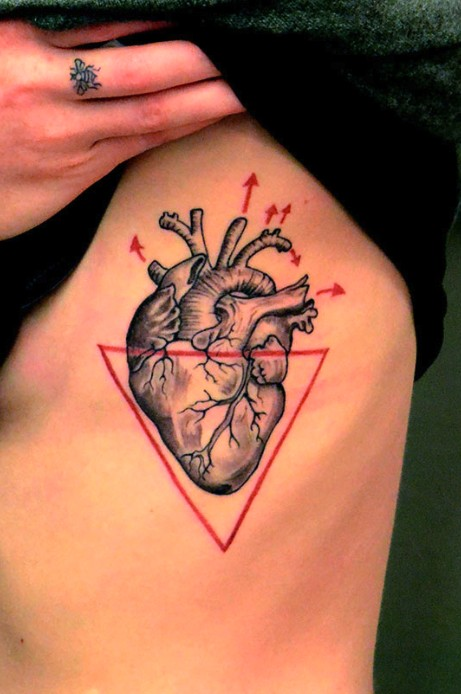 Heart And Red Ink Outline Triangle Tattoo On Ribs
