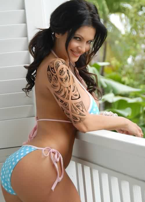 Hot Babe With Half Sleeve Tribal Polynesian Tattoos
