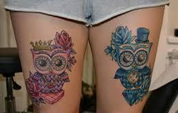 Lovely Color Owl Tattoos On Thigh