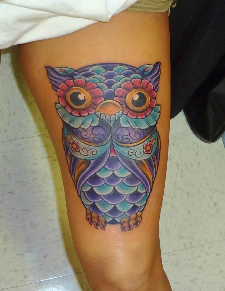 Marvelous Color Owl Tattoo On Thigh