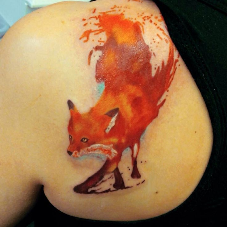 Amazing Watercolor Fox Tattoo On Back Shoulder