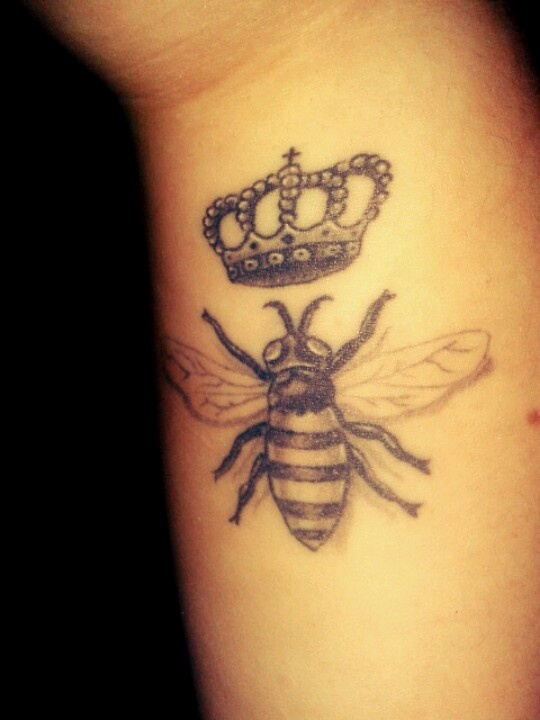 Awesome Grey Queen Bee Tattoo On Wrist
