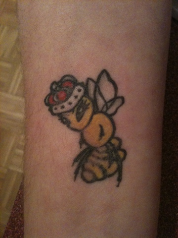 Awesome Queen Bee Tattoo