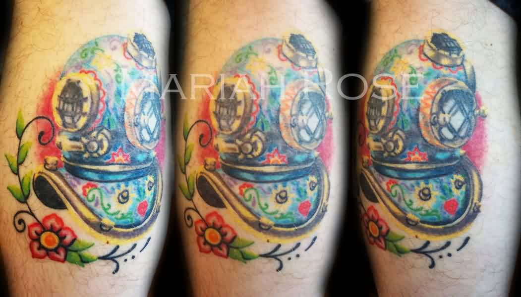 Beautiful Diving Helmet And Flower Tattoos