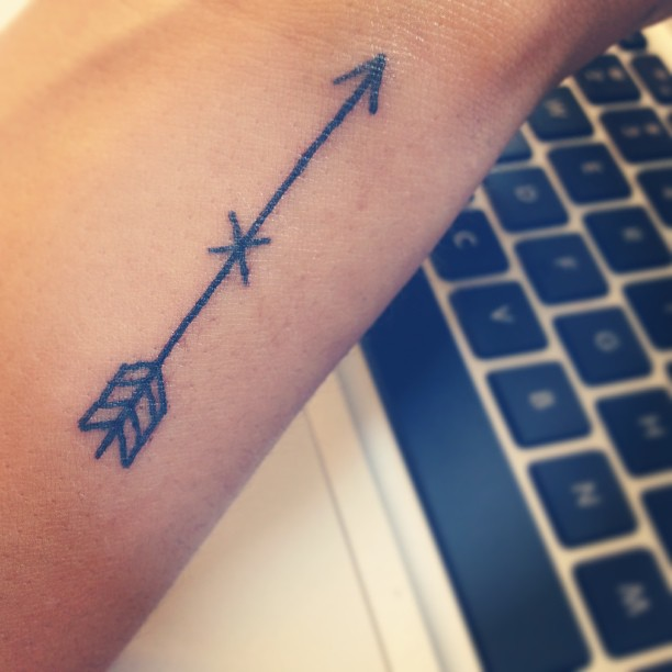 Black Ink Arrow Tattoo (2)