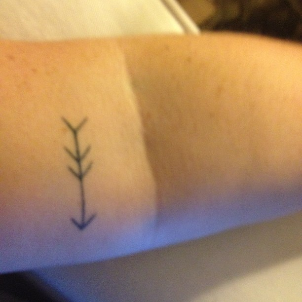 Black Ink Arrow Tattoo For Arm