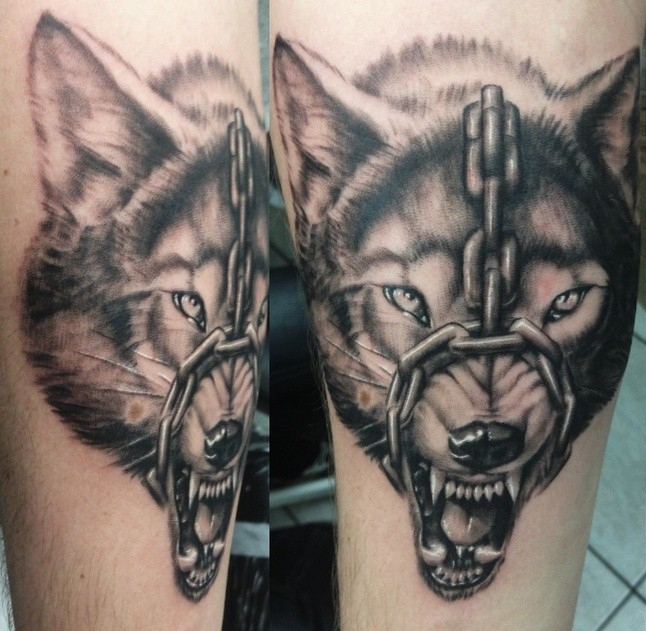 Chain Wolf Head Tattoo