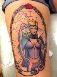 Evil Queen With Melting Skull Tattoo On Thigh