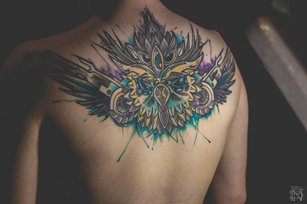 Fantastic Watercolor Tattoo On Upperback