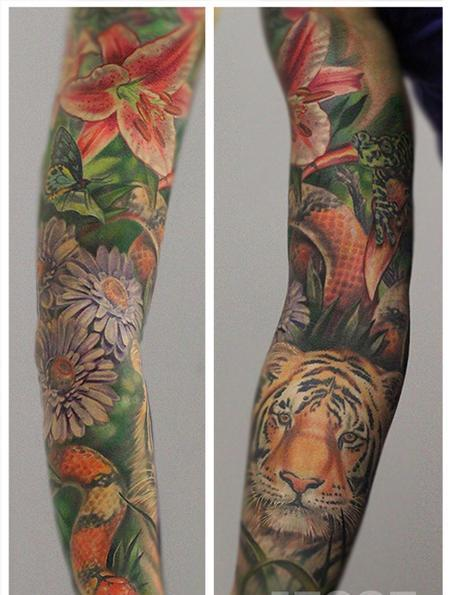 Flowers And Animal Tattoos On Whole Sleeve (2)