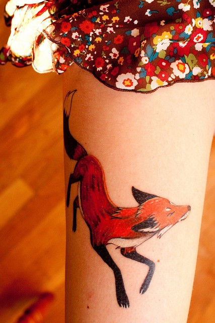 Fox Watercolor Tattoo On Thigh For Girls (2)