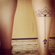 Geometric Arrow Tattoo On Right Back Leg