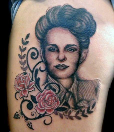 Gorgeous Lady Portrait And Flower Tattoos