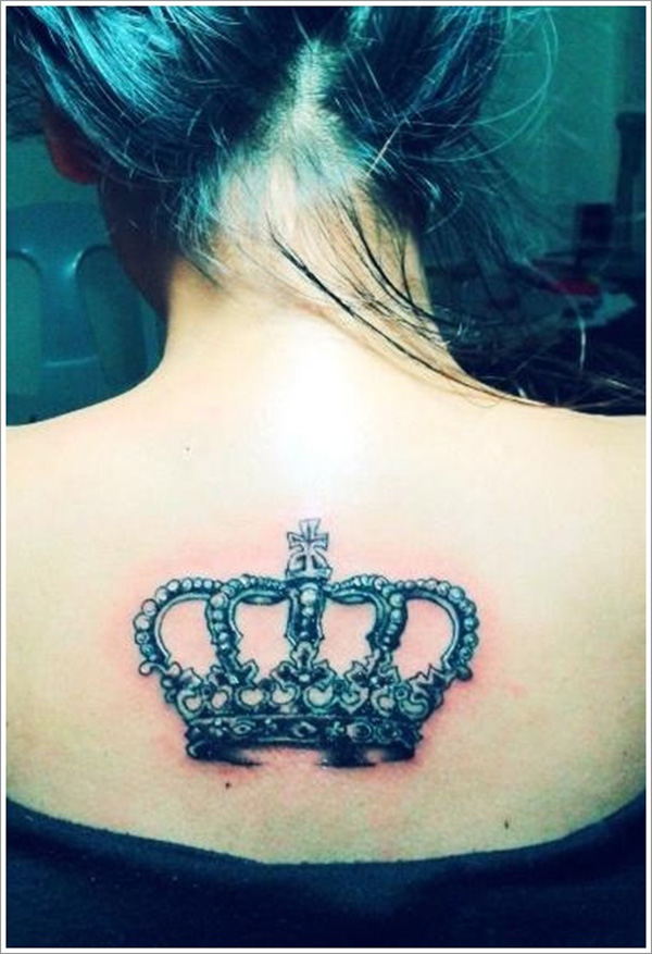 Gorgeous Queen's Crown Tattoo On Upperback