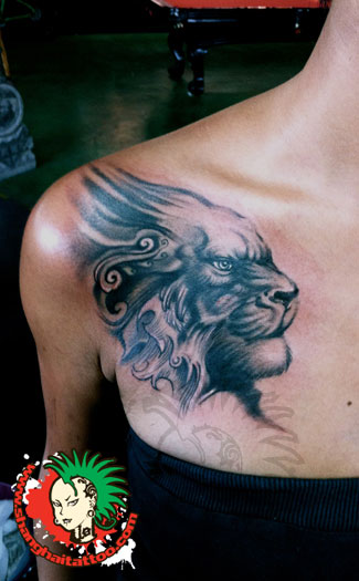 Grey Ink Lion Profile Portrait Tattoo On Front Of Shoulder