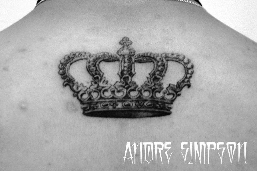 Grey Ink Queen's Crown Tattoo On Upperback