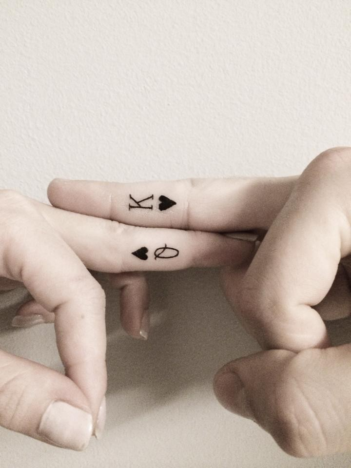 New Black King And Queen Tattoos On Fingers