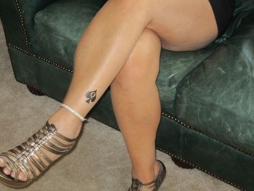 New Queen Of Spade Tattoo On Leg