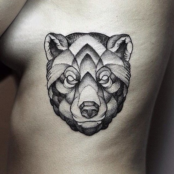 Black Ink Big Bear Face Tattoo On Girl Ribs