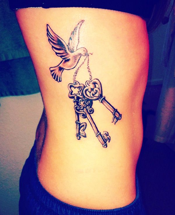 Cool 3d Vintage Keys And Dove Tattoo On Girl Ribs