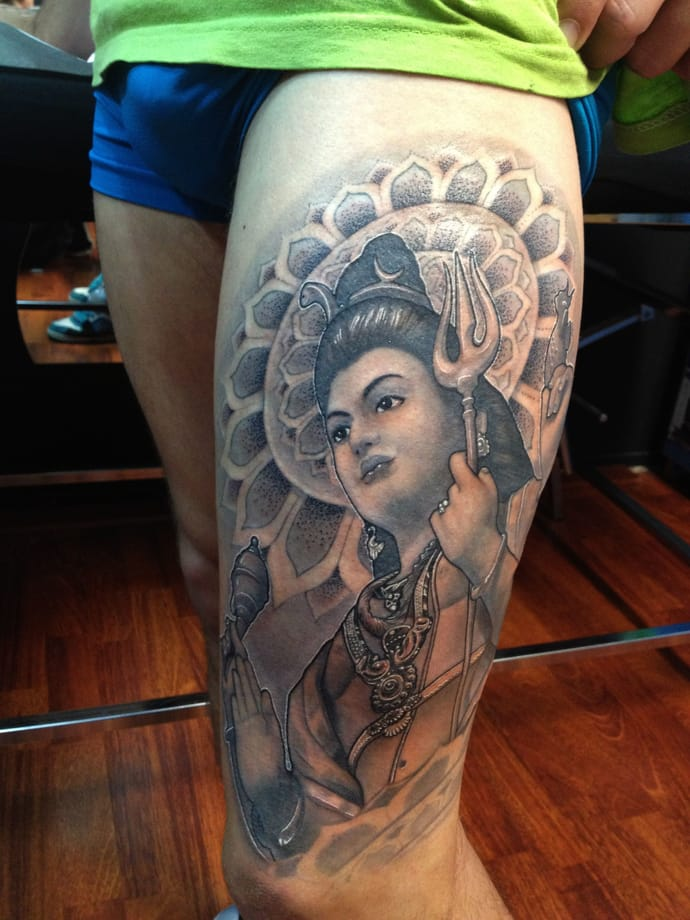 Wonderful Hinduism Lord Shiva Face Tattoo On Thigh