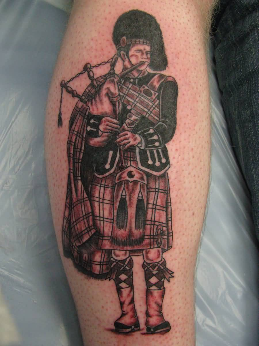 Amazing Scottish Player Play Bagpipe Tattoo