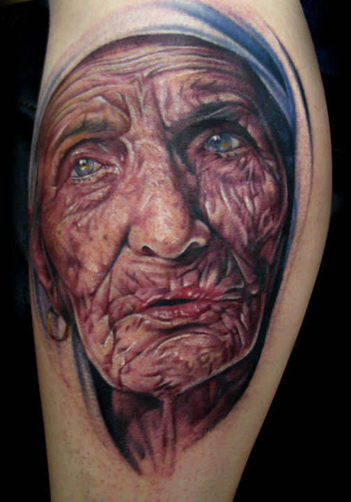 Awesome Portrait Old Face Of Historical Mother Teresa Tattoo
