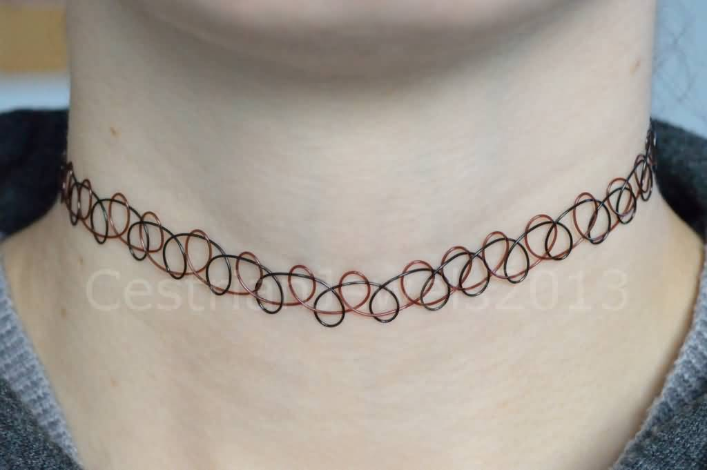 Black And Red Necklace Wire Tattoo