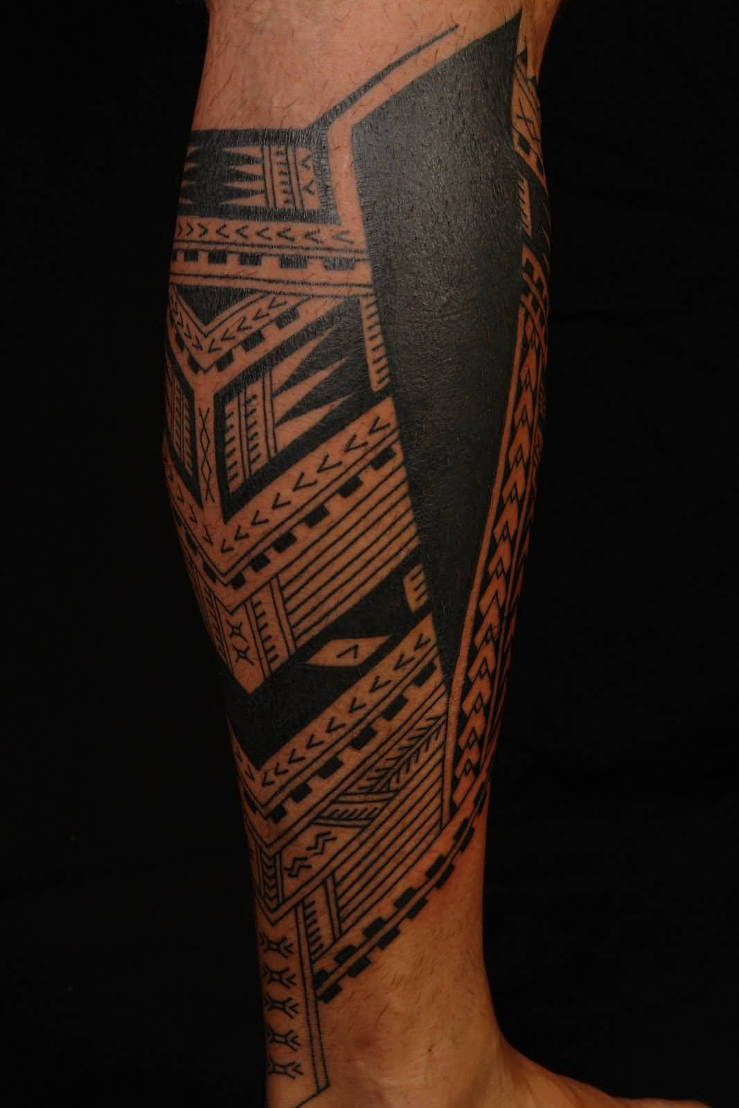 Black Ink Amazing Samoan Tattoo On Leg (2)