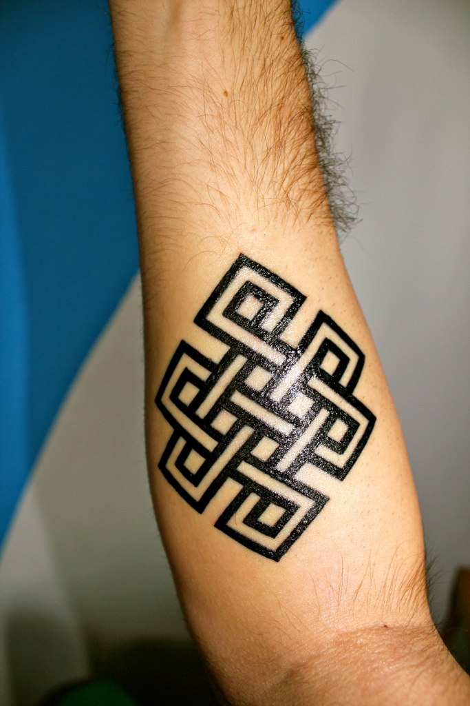 Black Ink Awesome Endless Knot Tattoo Design