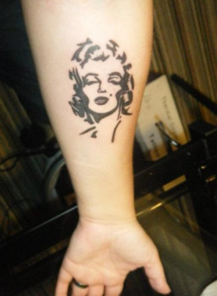 Black Ink Forearm Lower Sleeve Nice Marilyn Monroe Face Tattoo