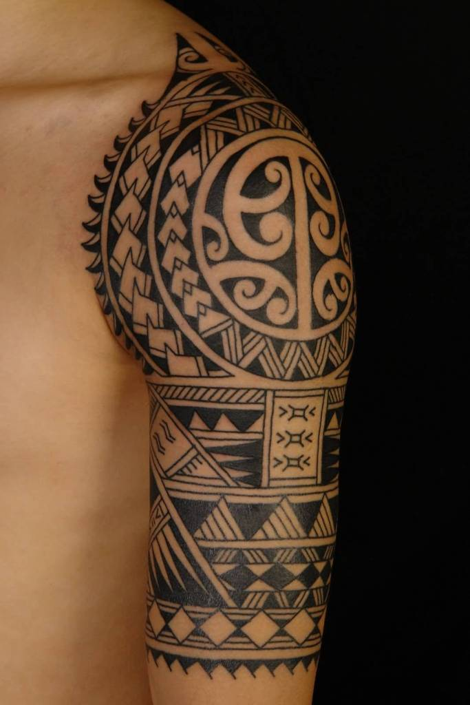Black Ink Hawaiian Samoan Tattoo On Half Sleeve