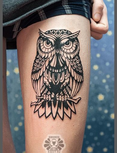 Black Ink Nice Mosaic Wolf Sit In Tree Tattoo Make On Thigh