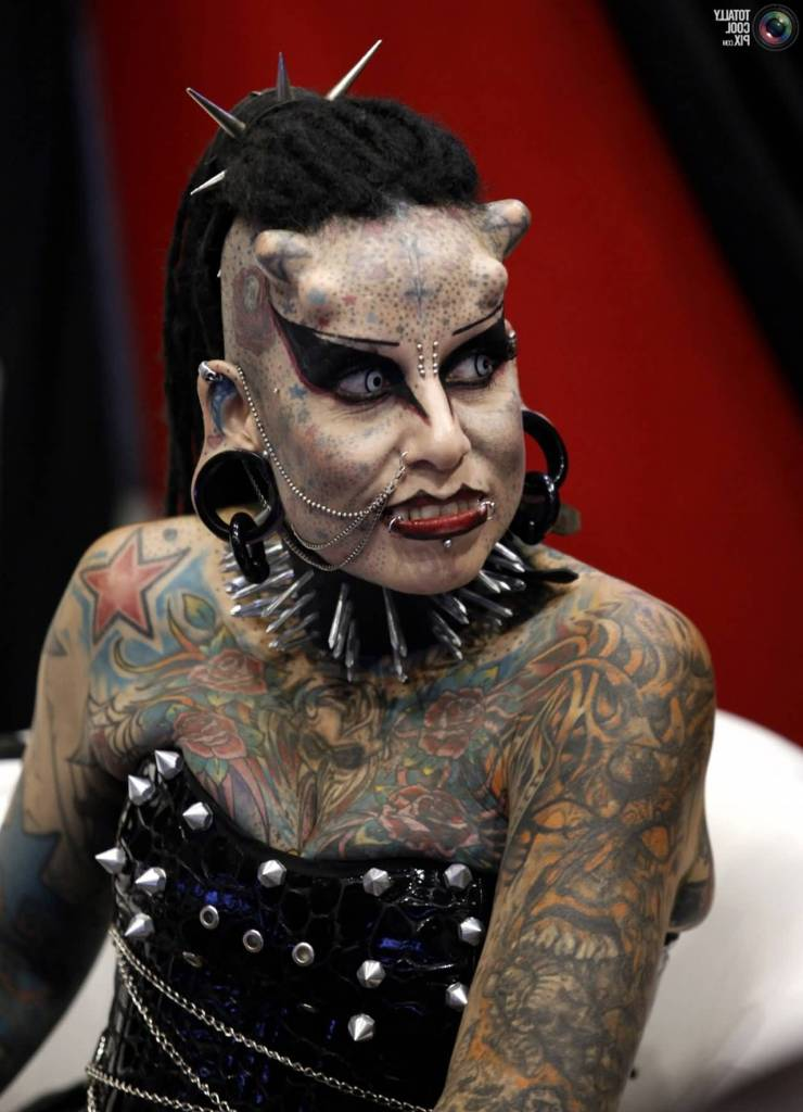 Extreme Tattoo On Vampire Girl Body