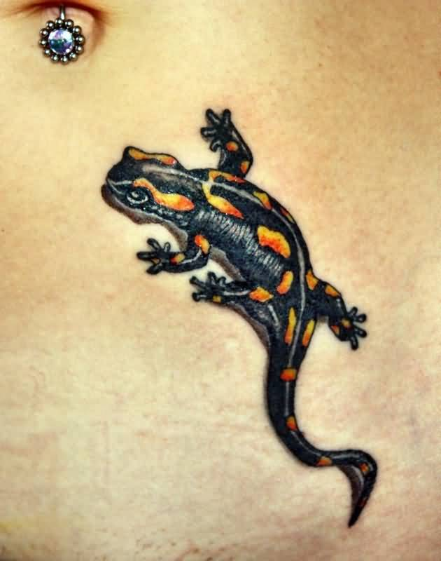 Girl Show Her Nice Salamander Tattoo Design For Belly