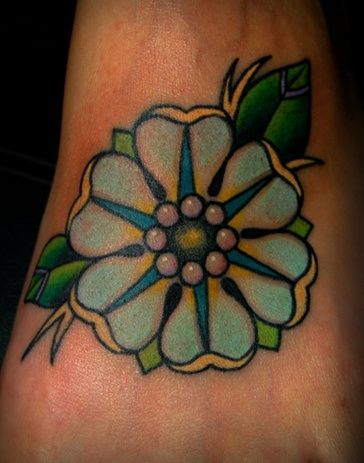 Girl Show Nice And Beautiful Old School Flower Tattoo