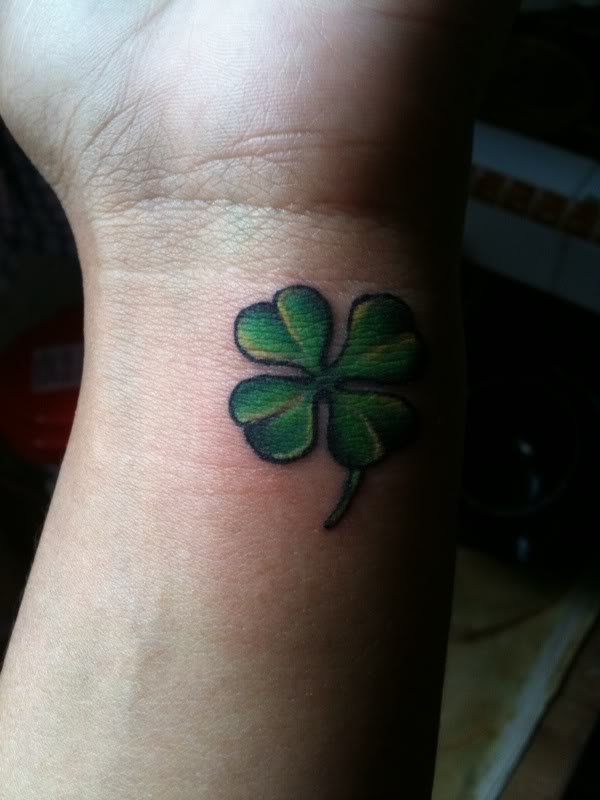 Green Ink Amazing And Nice Shamrock Tattoo Design Idea