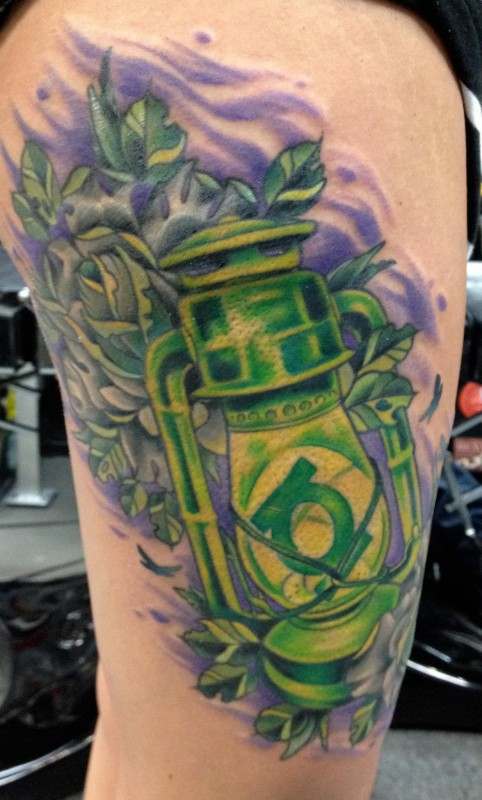 Green Ink Old Vintage Lantern Tattoo On Thigh
