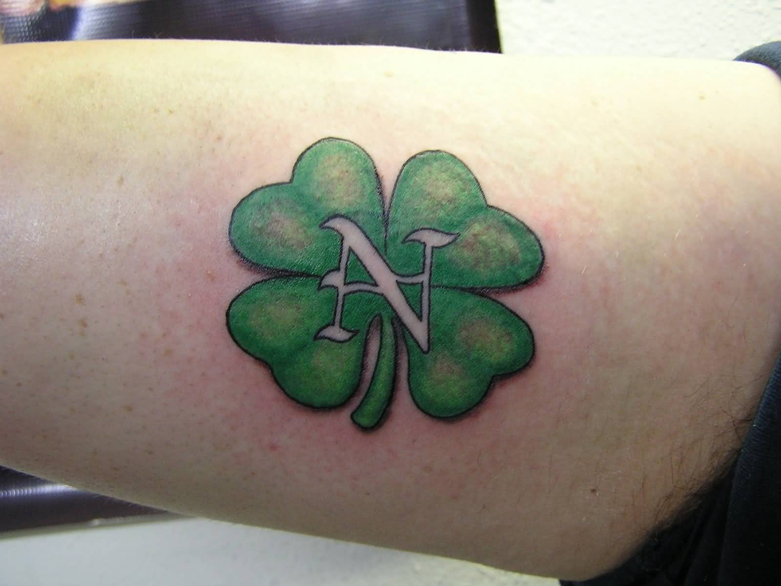 Green Nice And Simple Shamrock Tattoo Design Idea