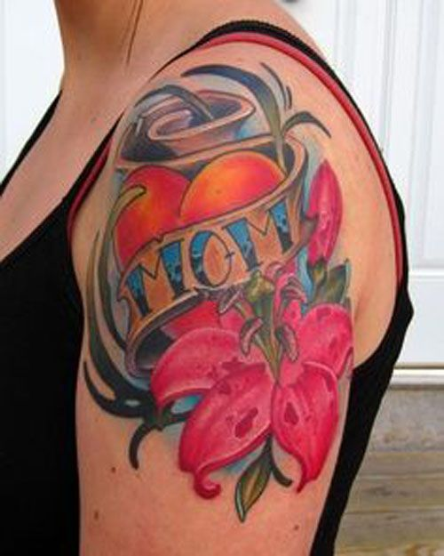 Love Heart Mom Banner And Nice Flower Tattoo On Shoulder