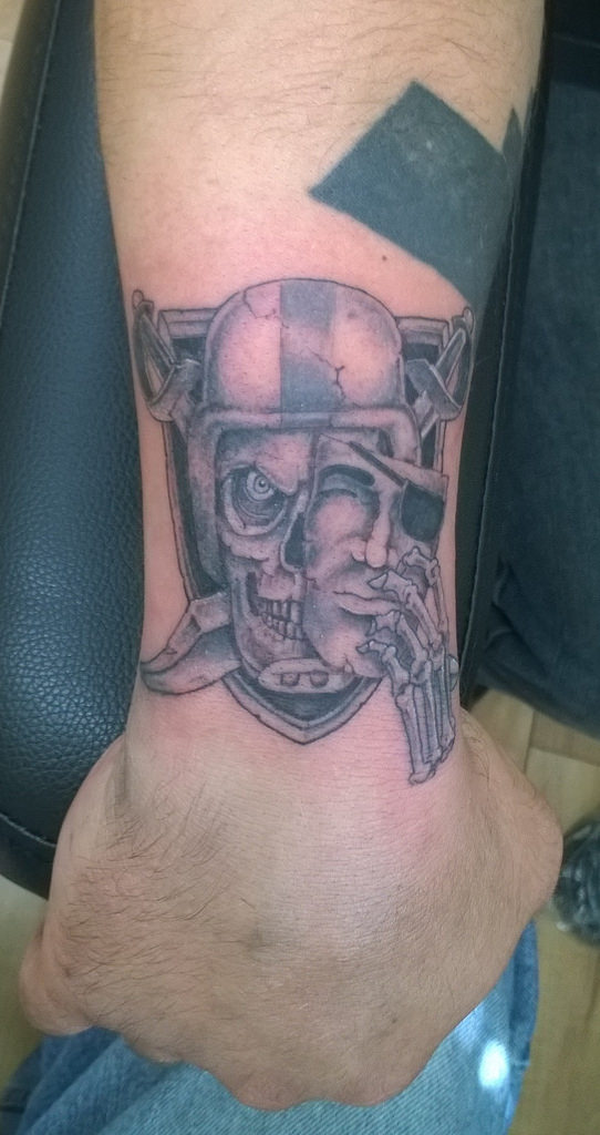 Mask And Nice Oakland Raiders Skull Tattoo