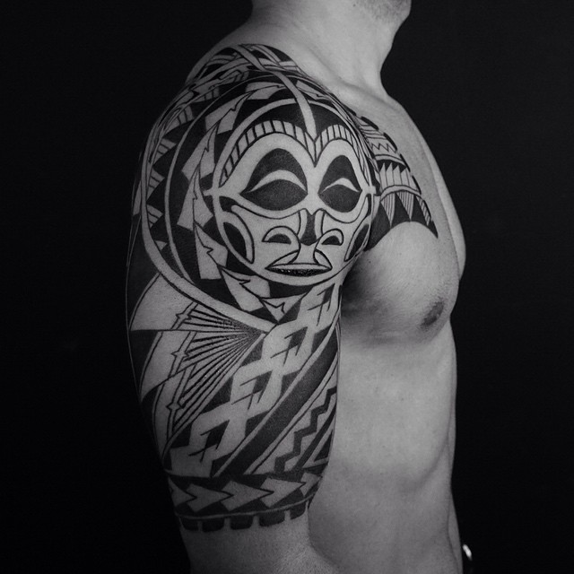 Men Show Half Sleeve Samoan Tattoo